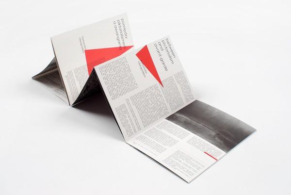 15套国外现代画册设计