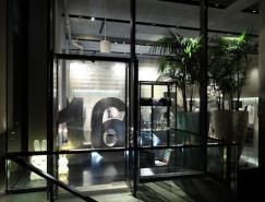 16AOUTcomplex前卫风格时装专卖店设计