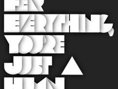 <b>30款创意字体海报设计</b>