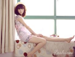 Photoshop调色教程:室内美女图片加上淡淡的韩系暖色