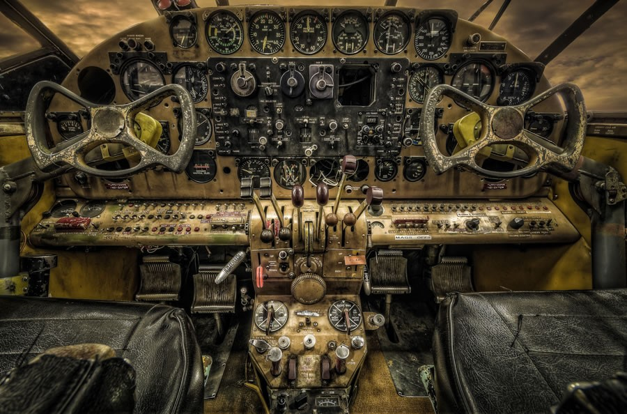 飞机驾驶舱摄影图片欣赏(2)