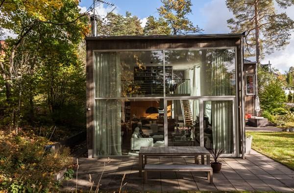 瑞典舒适雅致的林中木制别墅 - 设计之家
