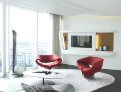 俯瞰城市全景:圣彼得堡现代简约顶层豪华公寓
