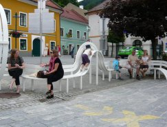 丹麦艺术家Jeppe Hein:公共长椅的另类设计