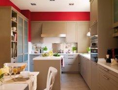 红色墙面与米色搭配的现代厨房正规棋牌游戏平台