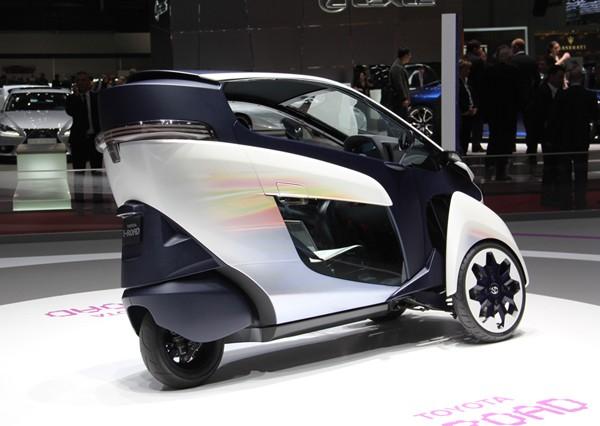 新一代代步工具:丰田i-Road三轮纯电动概念车