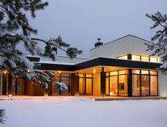 温馨舒缓的中性色调:立陶宛现代住宅设