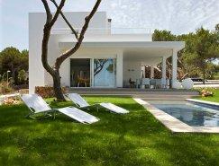 西班牙Menorca岛现代纯白别墅