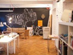 斯洛伐克Bratislava老式公寓变身创意办公空间