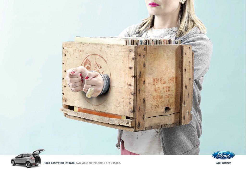 福特翼虎广告欣赏:被禁锢的双手
