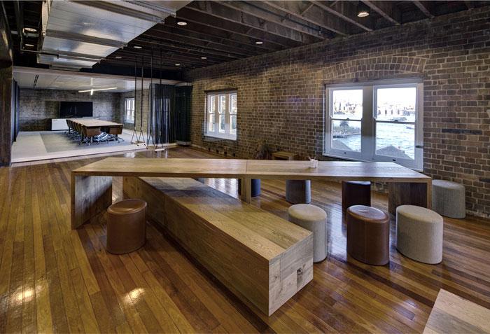 老工厂改造的现代开放式办公空间 设计之家