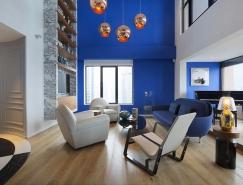 Dariel Studio: 上海蓝色顶层复式公寓