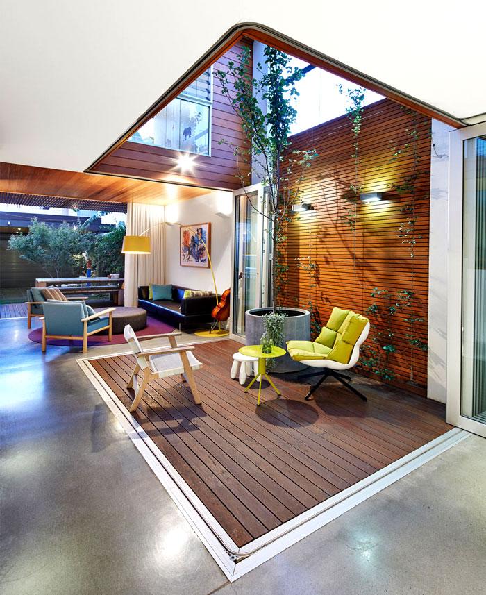 阳光,庭院:缤纷色彩的现代开放式住宅设计图片