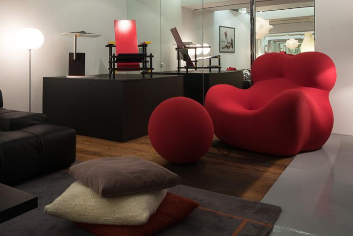 希腊Deloudis家具陈列展厅设计