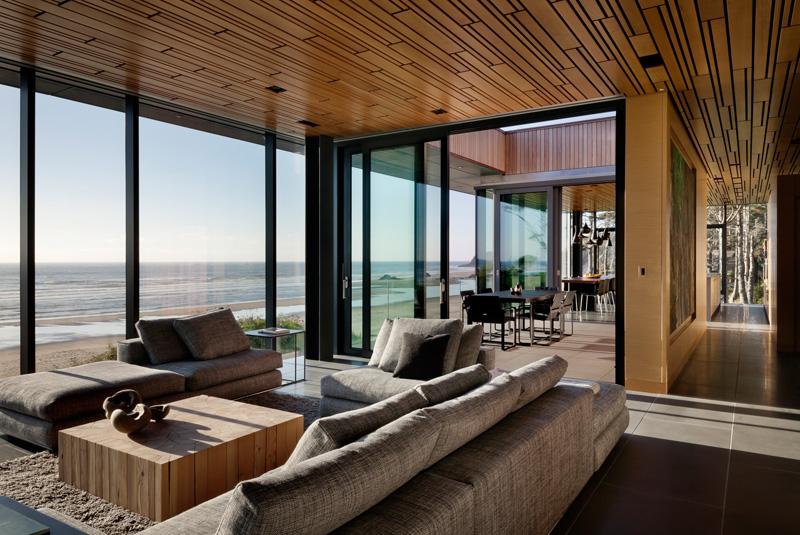 全景透明玻璃海滨度假别墅 2 设计之家