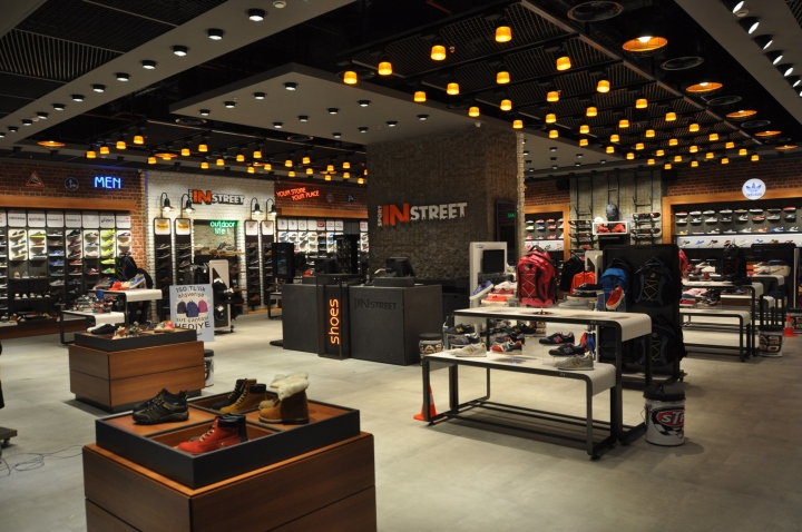 Sport In Street体育用品专卖店设计