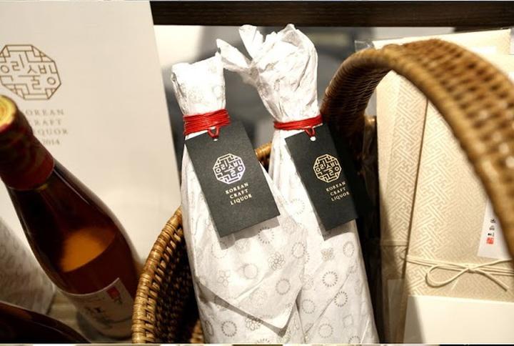 韓國米酒和紅酒包裝設計