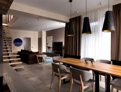 自然的温暖质感:乌克兰现代住宅设计