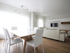 立陶宛极简复式住宅设计