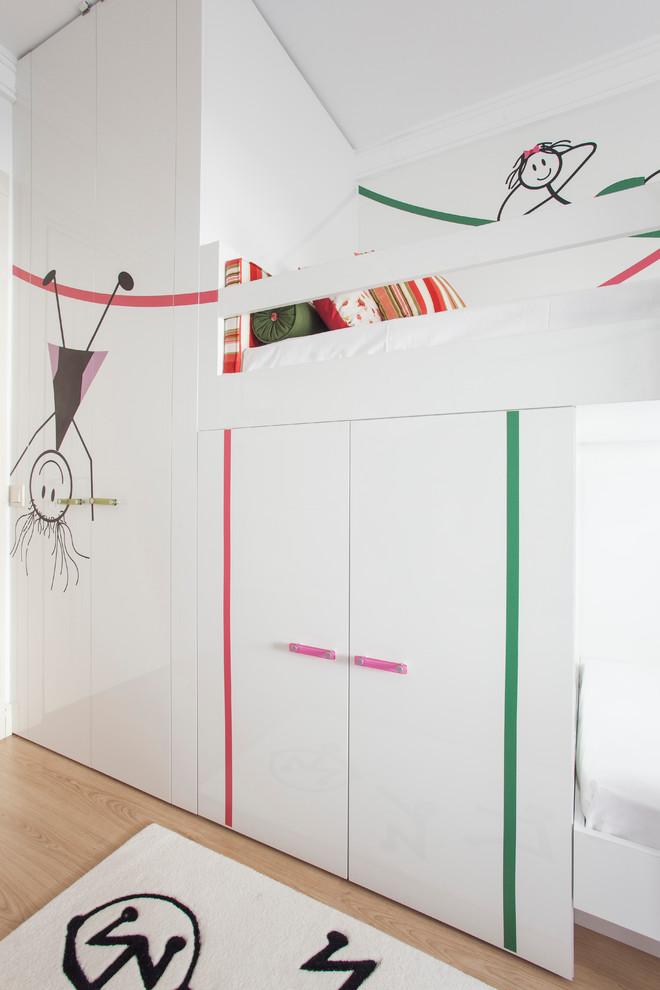 可爱墙绘的纯白女孩卧室设计