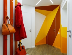 色彩的碰撞:圣彼得堡Tuhachevsky街公寓畅博官网手机app