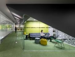 Initiative Media现代开放式办公空间设计