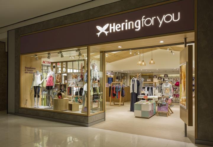 巴西Hering for you内衣服装店室内设计
