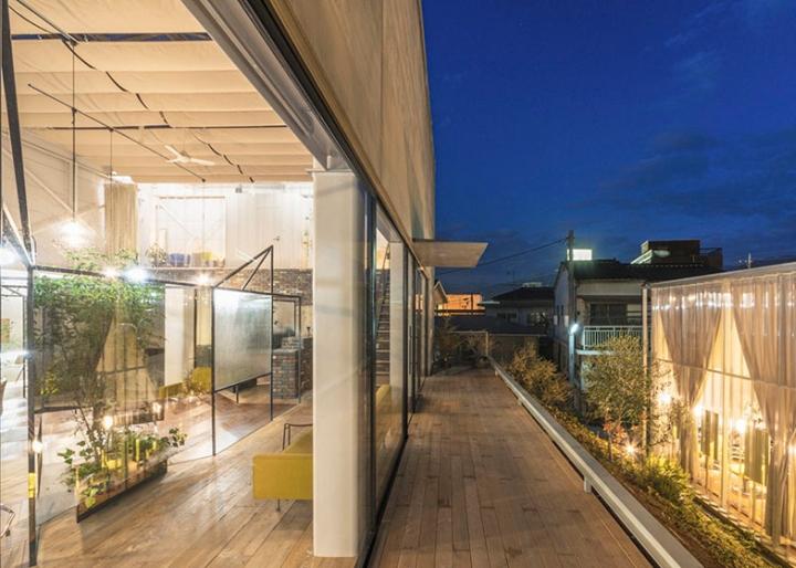 半透明和镜像分区:日本山梨Vision Atelier发廊空间设计