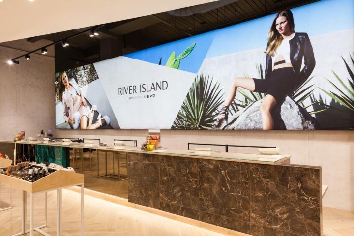 英国高街品牌River Island旗舰店空间设计