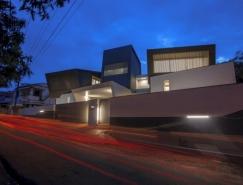 狂野外观下极简装修风格的别墅设计