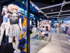 潮流服装品牌Sinsay专卖店设计