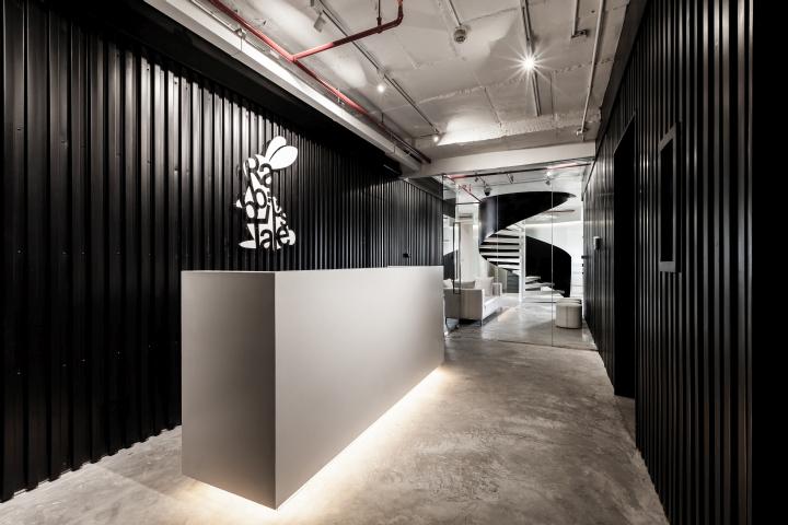 曼谷Rabbit's Tale黑白办公空间设计