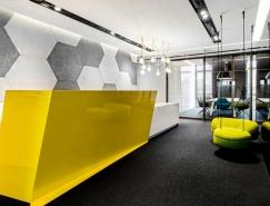 波兰FreshMail现代新潮的办公空间设计