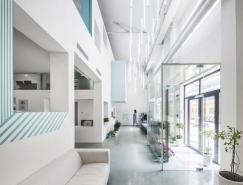 绿色植物点缀的纯净白蓝空间:MAT Office北京办公室