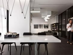时尚极简的黑白公寓设计