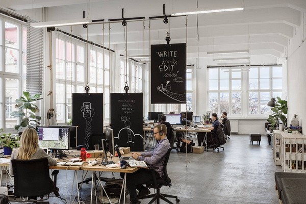 布拉格Bubble广告公司办公空间设计