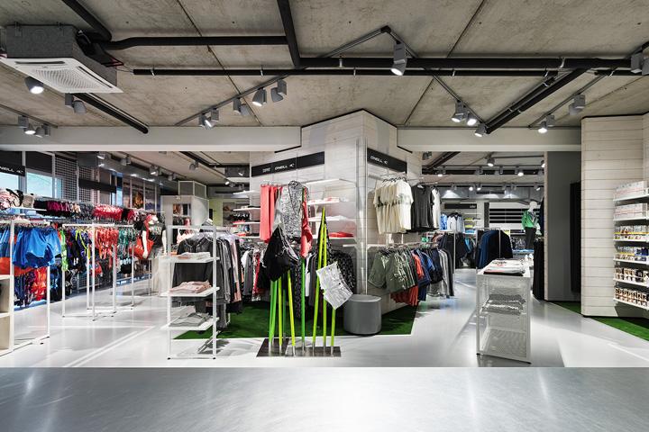 Sport Schwab体育用品商城室内空间设计