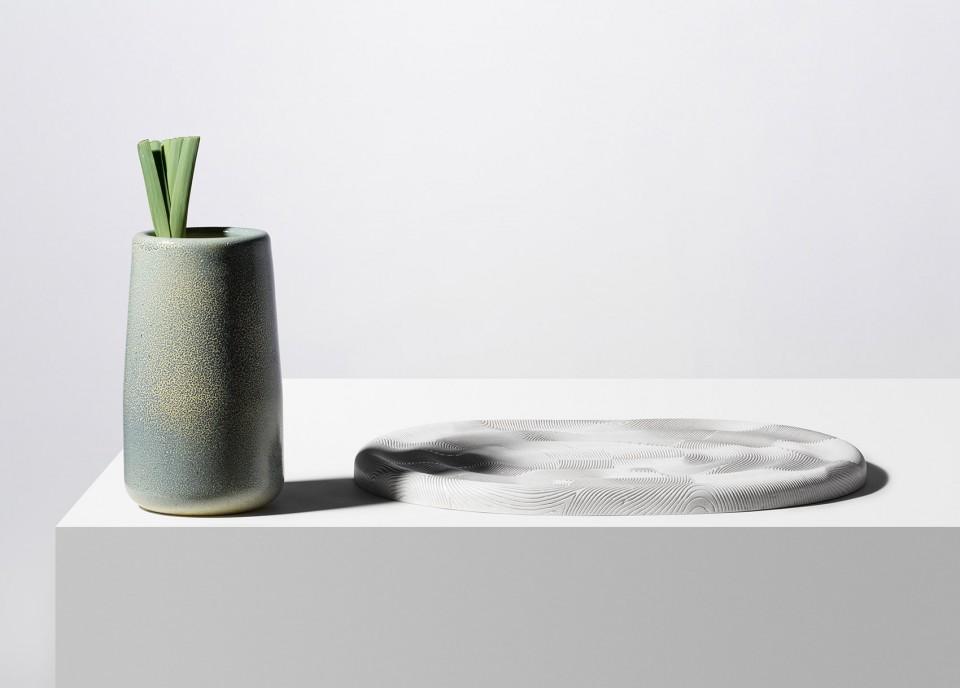 充满诗意的文章_凹凸触感的陶瓷容器 - 设计之家
