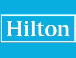 希尔顿全球酒店集团启用简洁