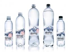 Alpokaqua礦泉水品牌和包裝