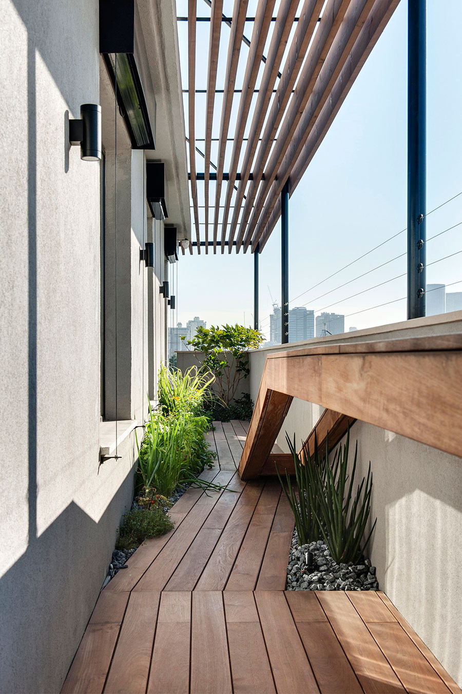 以色列复式阁楼公寓设计