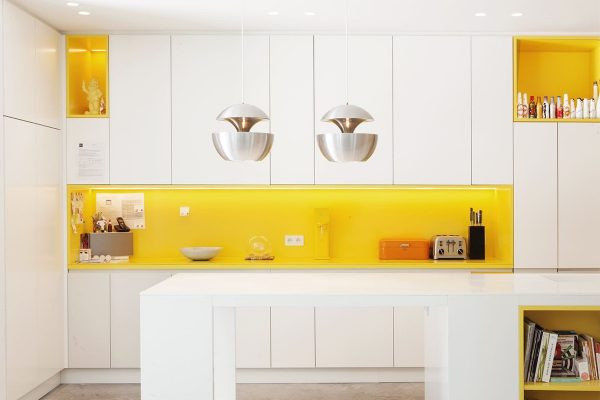 unique-geometric-pendants-in-the-kitchen