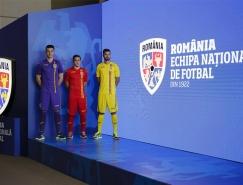 罗马尼亚国家足球队启用新队徽,盾牌造型更加