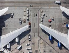 Mike Kelley:俯拍視角展現美國繁忙的機場