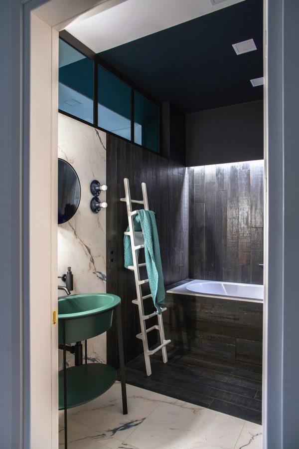 Towel-ladder-600x900.jpg