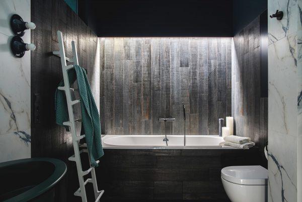 Wood-bath-surround-600x401.jpg