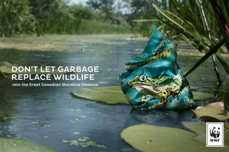 不要让垃圾取代野生动物:WWF加拿大海岸线清理平面创意广告