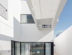 现代极简主义遇上立体派:科威特AREIA别墅设计